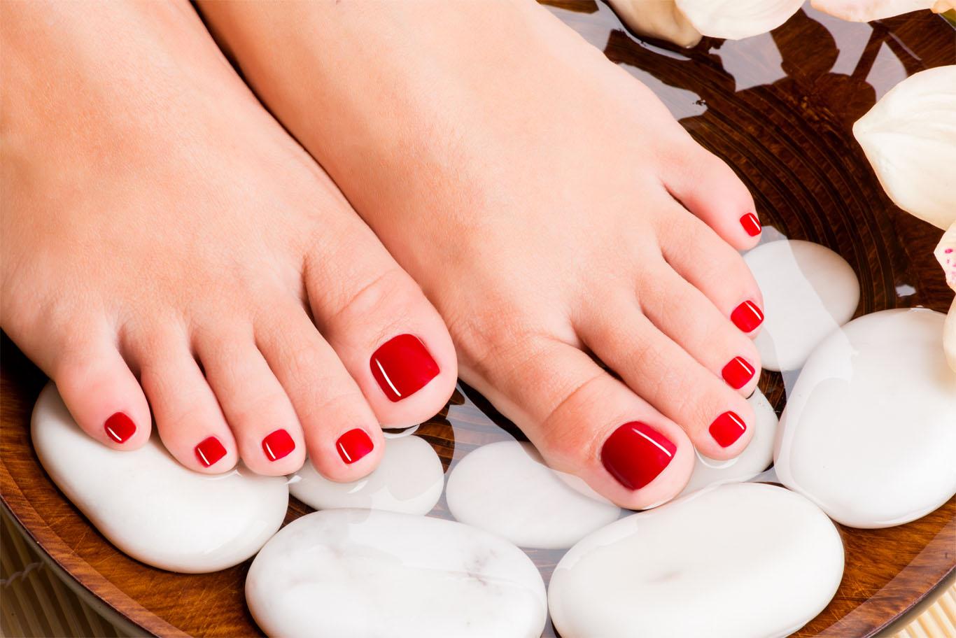 Gellac en voetverzorging door Schoonheidssalon Adiva Skincare Breukelen.jpg
